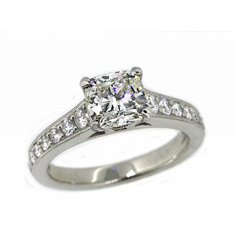 Jeff Cooper tapering pave milgrain diamond ring