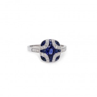 Blue Sapphire Vintage style Ring