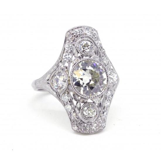 Antique platinum ring with Old European cut diamonds