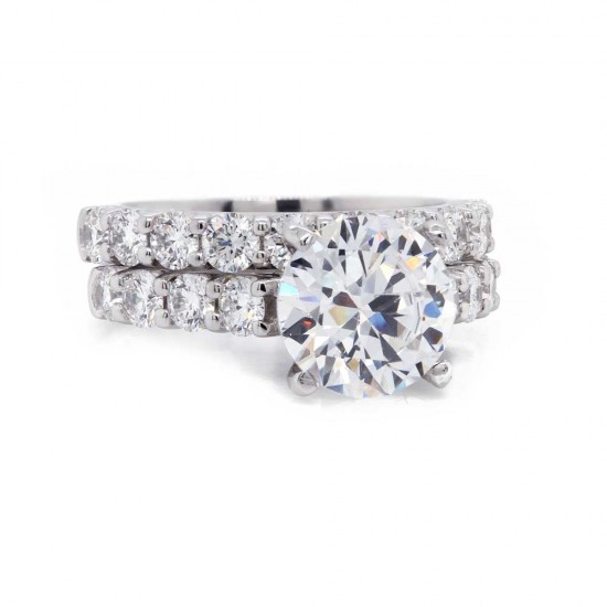 Shared Prong Diamond Wedding Set