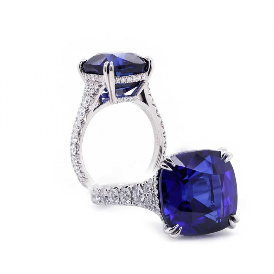 Exceptional Blue Sapphire Ring